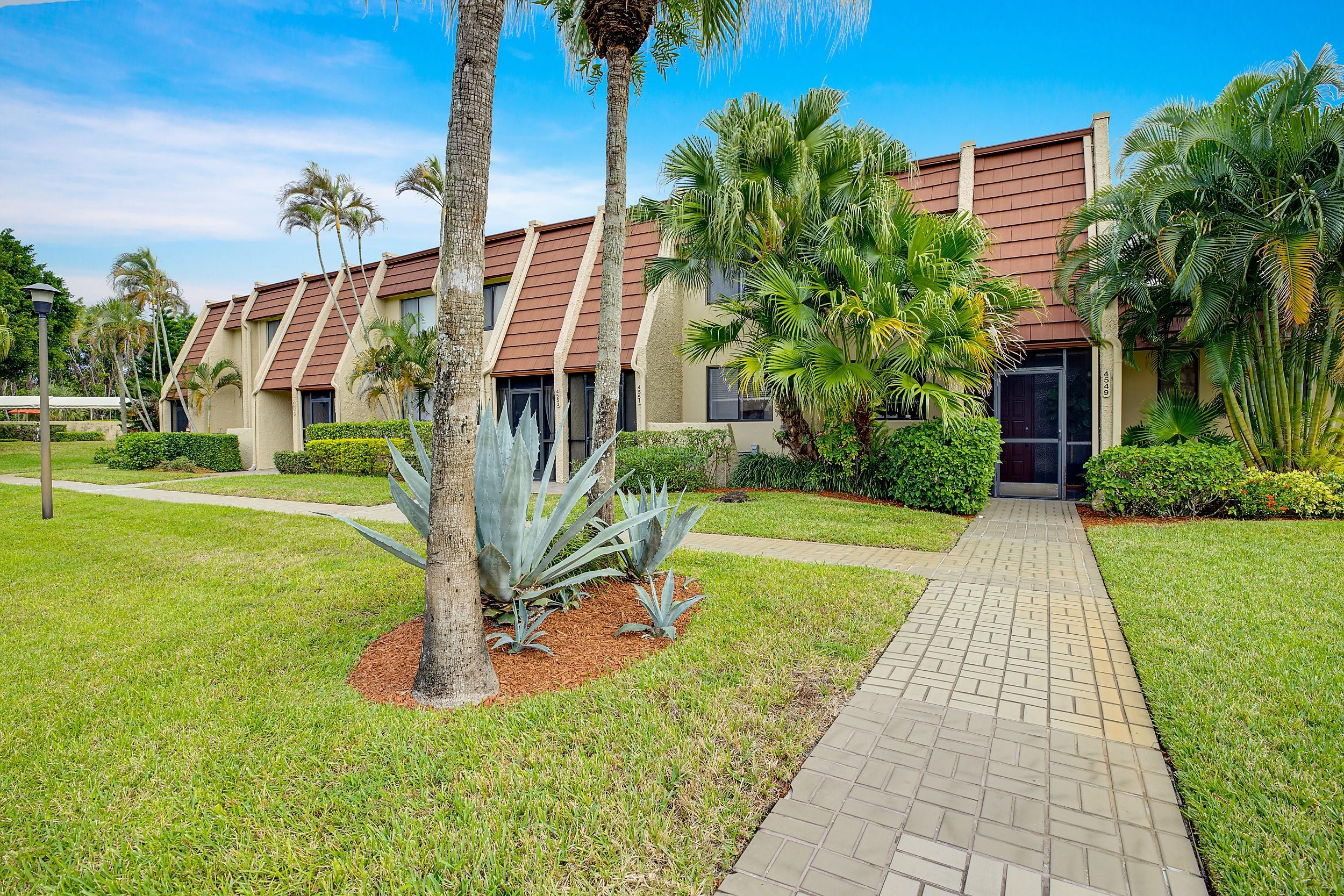 4549 Luxemburg Court, Lake Worth, Florida 33467, 3 Bedrooms Bedrooms, ,2.1 BathroomsBathrooms,A,Townhouse,Luxemburg,RX-10588059