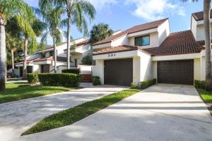 301  Sea Oats Drive Drive C For Sale 10589432, FL
