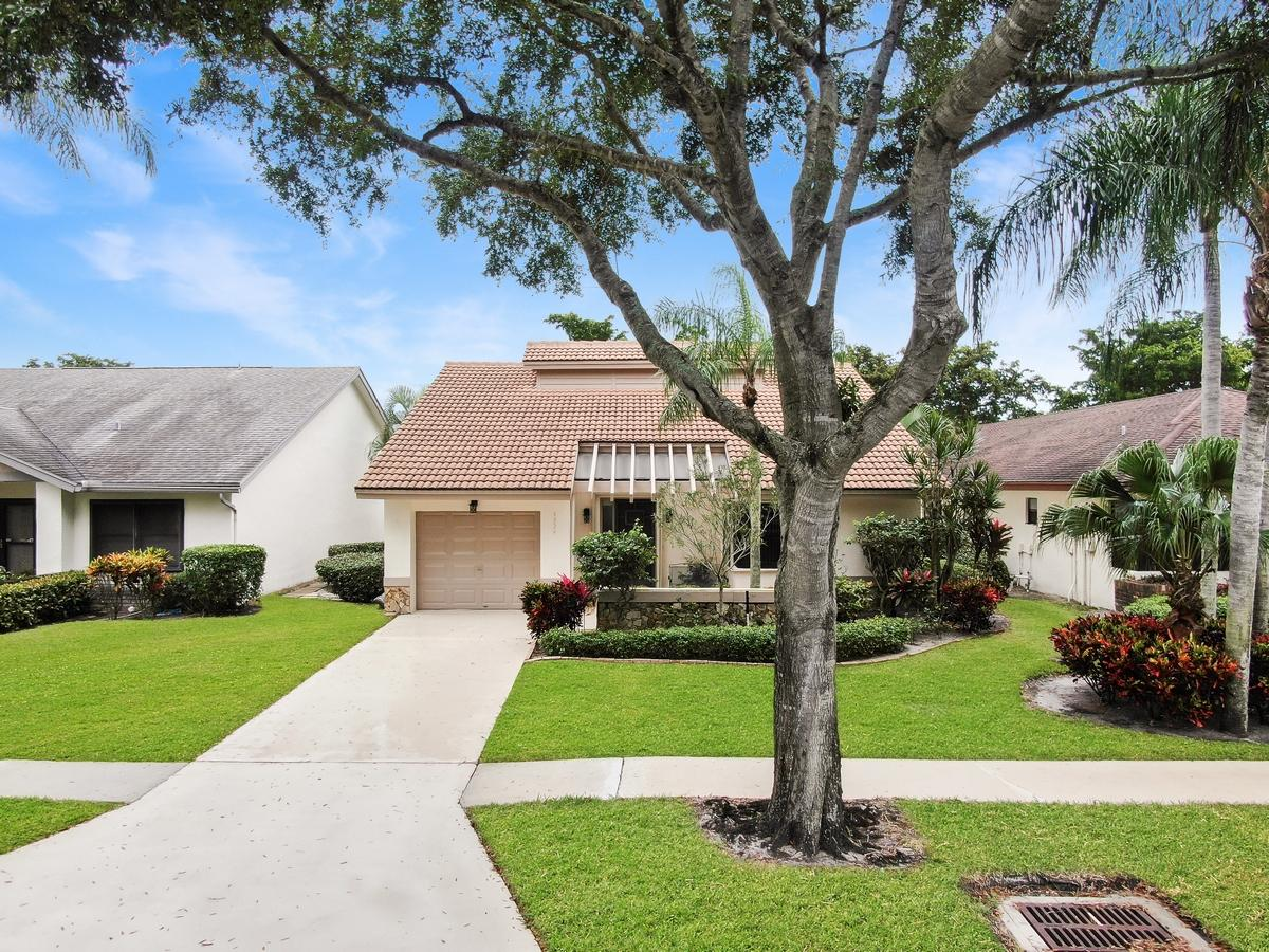 Home for sale in Fairmont Place Boynton Beach Florida