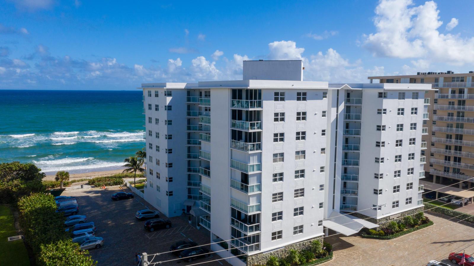 Home for sale in Diamondhead Hillsboro Beach Florida
