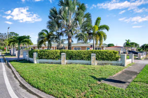 Property for sale at 4261 Chukker Drive, West Palm Beach,  Florida 33406