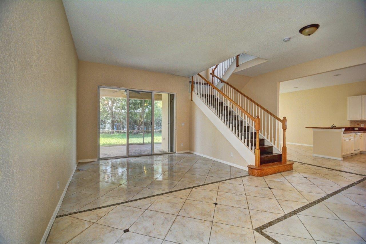 103 Bellezza Terrace Royal Palm Beach, FL 33411 photo 3