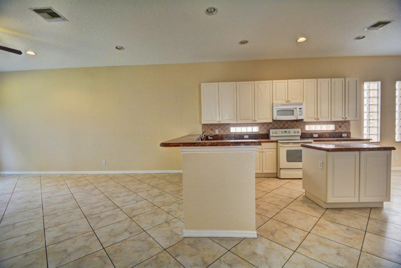 103 Bellezza Terrace Royal Palm Beach, FL 33411 photo 11