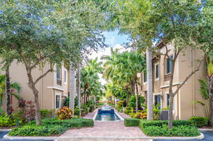 3056  Waterside Circle  For Sale 10588651, FL