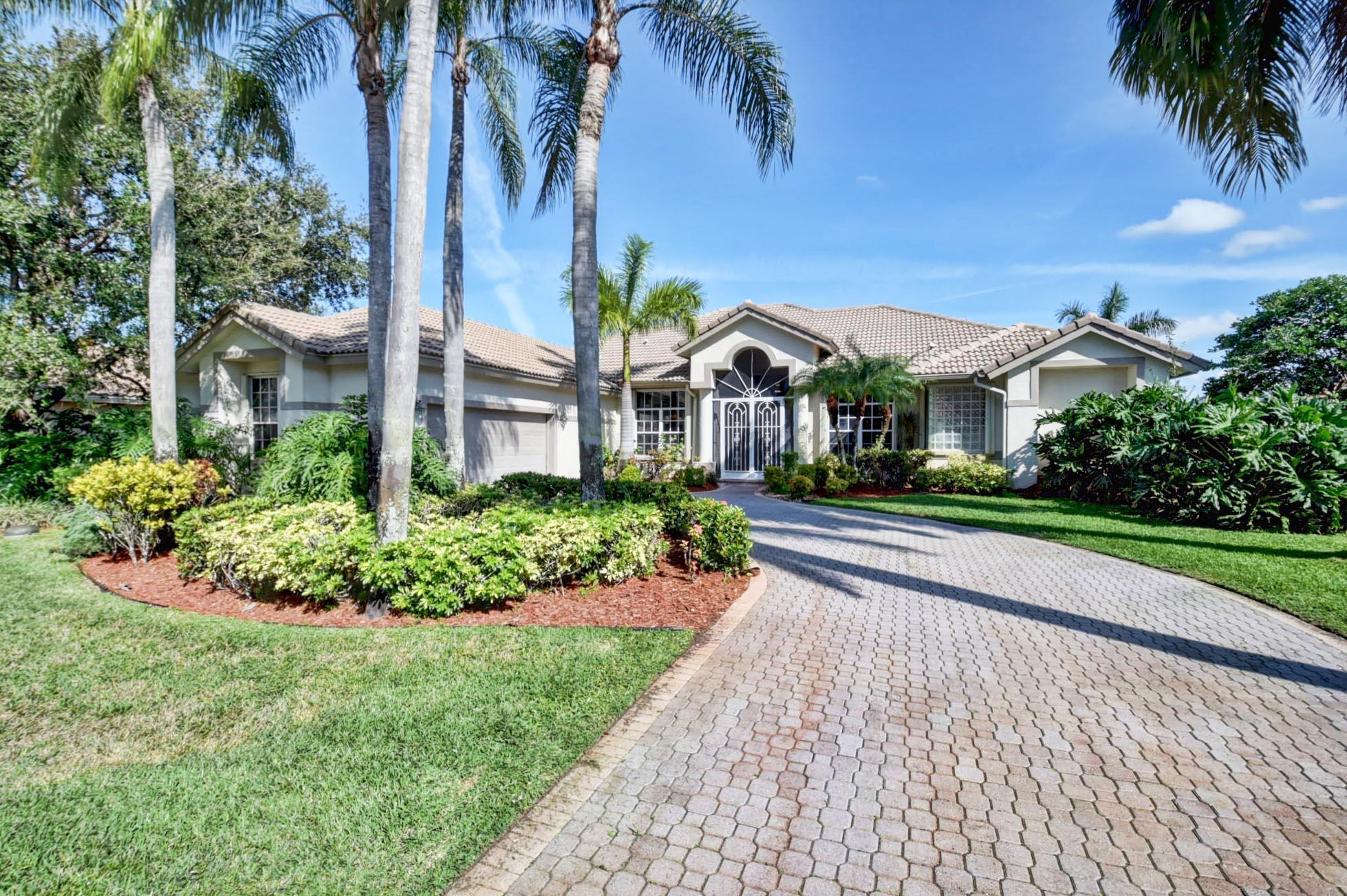 8208 Desmond Drive Boynton Beach, FL 33472