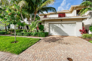 1033  Piccadilly Street  For Sale 10589337, FL