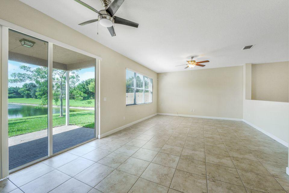 4778 Capital Drive Lake Worth, FL 33463 photo 11