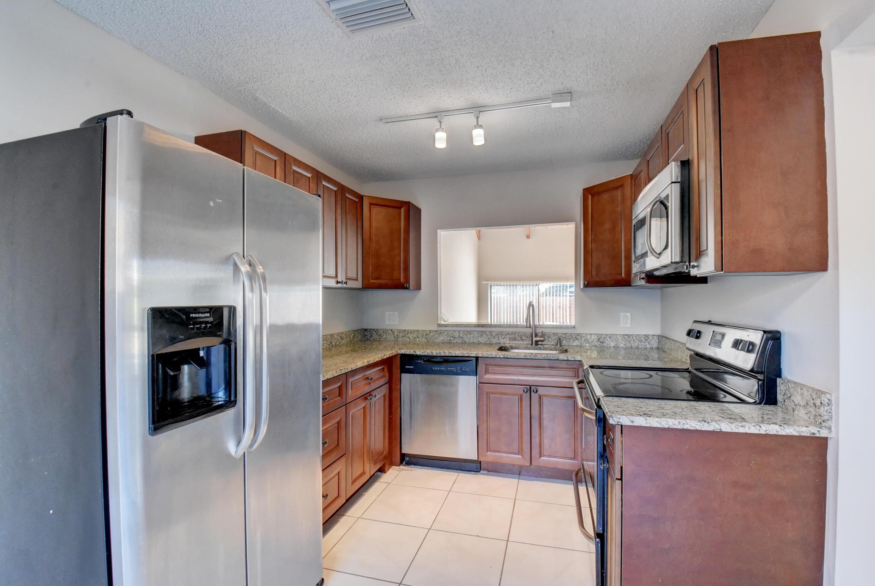 Home for sale in ARROWHEAD GOLF AND TENNIS CLUB Davie Florida