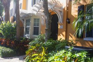 355 E Mallory Circle 355 For Sale 10589685, FL