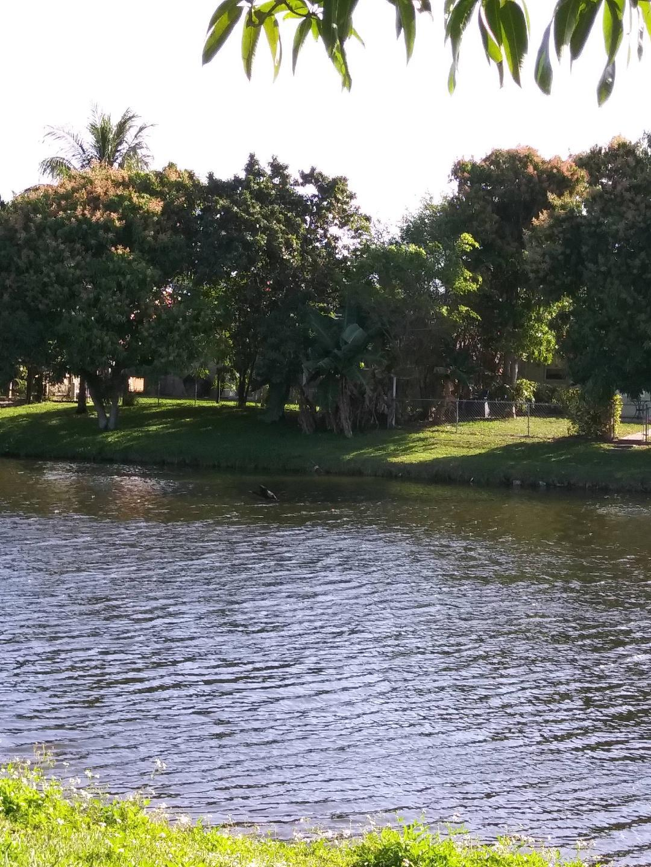 5706 Lake George Place Lake Worth, FL 33463