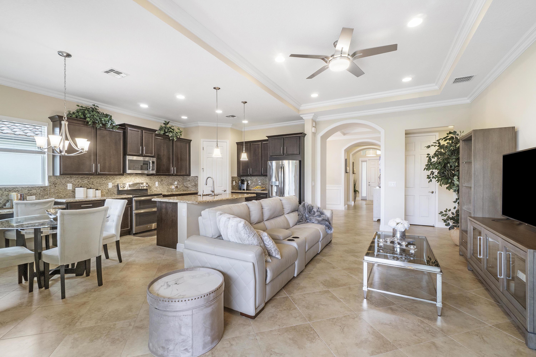 3003 Strada Court Royal Palm Beach, FL 33411