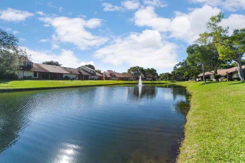 3678 Timberline Drive West Palm Beach, FL 33406 photo 2