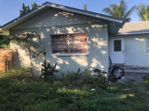 119 SE 5th Street  For Sale 10590218, FL