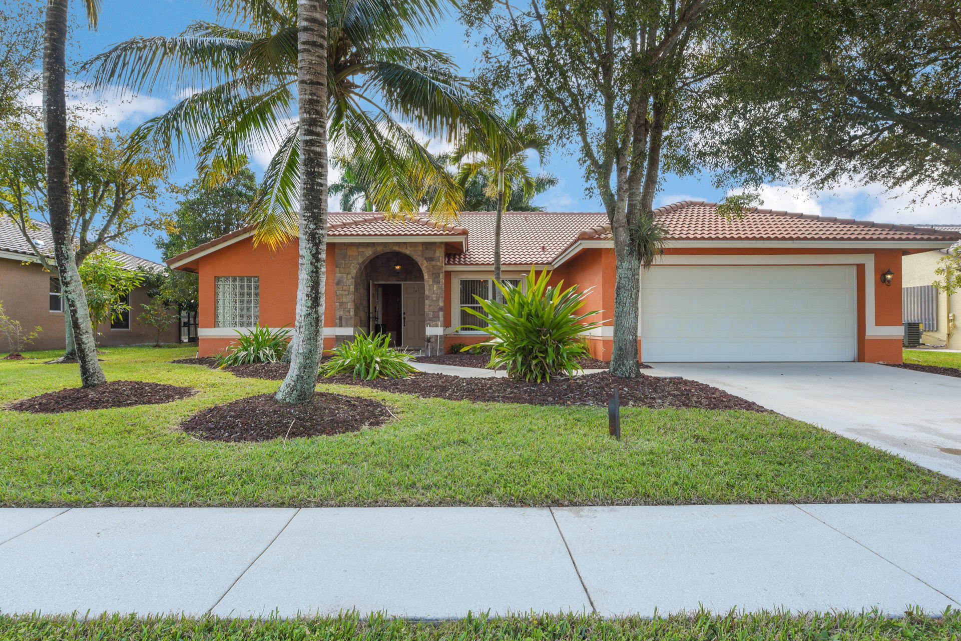 10562 Paso Fino Drive Lake Worth, FL 33449 photo 1