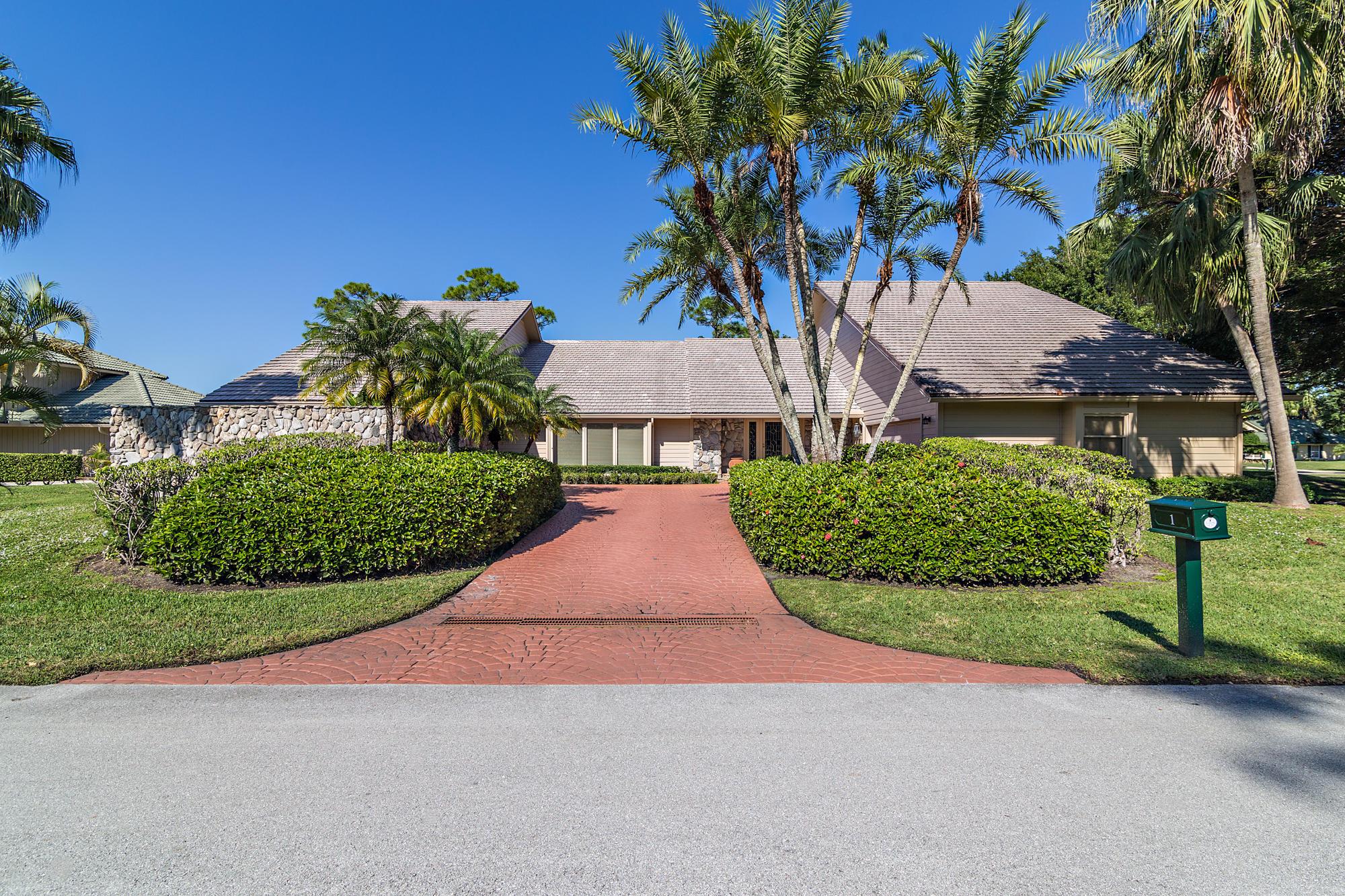 Photo of 1 Surrey Road, Palm Beach Gardens, FL 33418