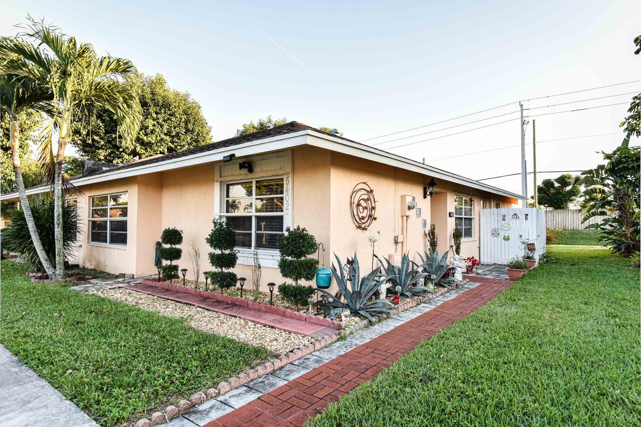 5402 Bonky Court 102 B West Palm Beach, FL 33415