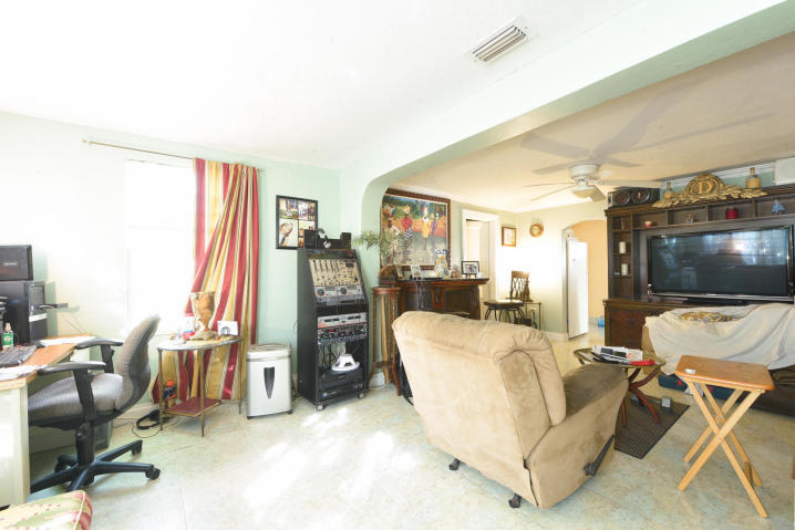 36 W 15th Street Riviera Beach, FL 33404 photo 4