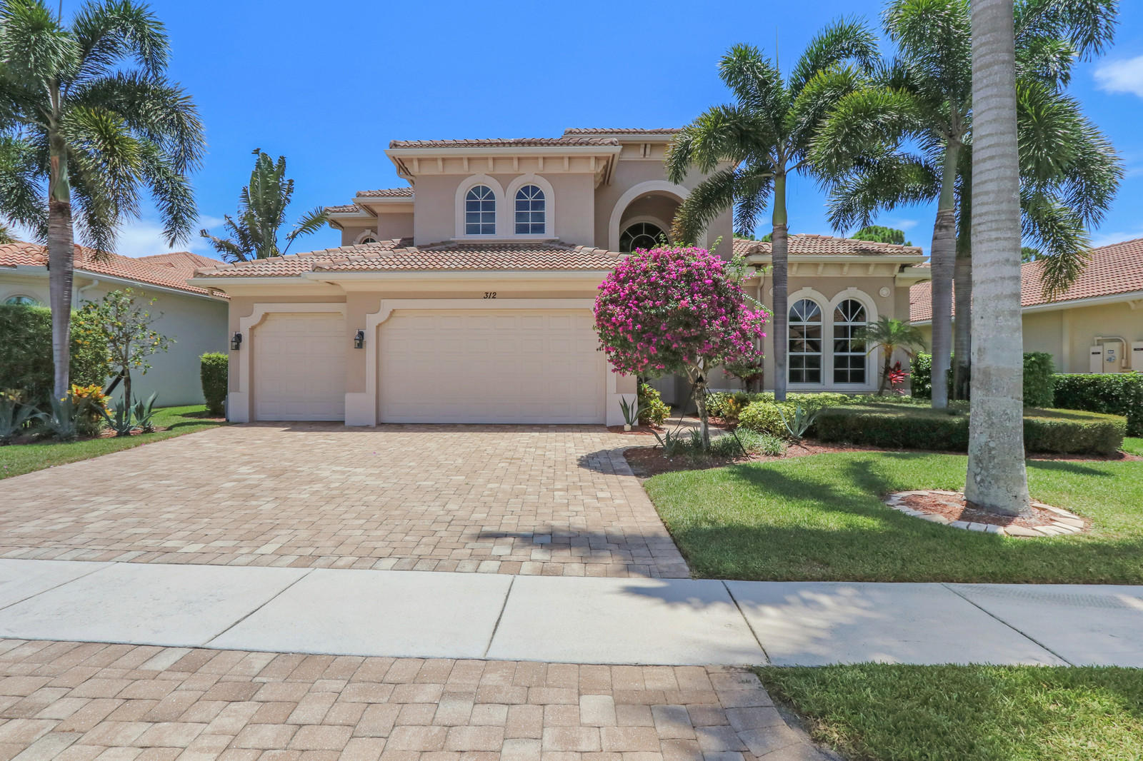 312 Charroux Drive, Palm Beach Gardens, Florida 33410, 5 Bedrooms Bedrooms, ,5 BathroomsBathrooms,A,Single family,Charroux,RX-10592944