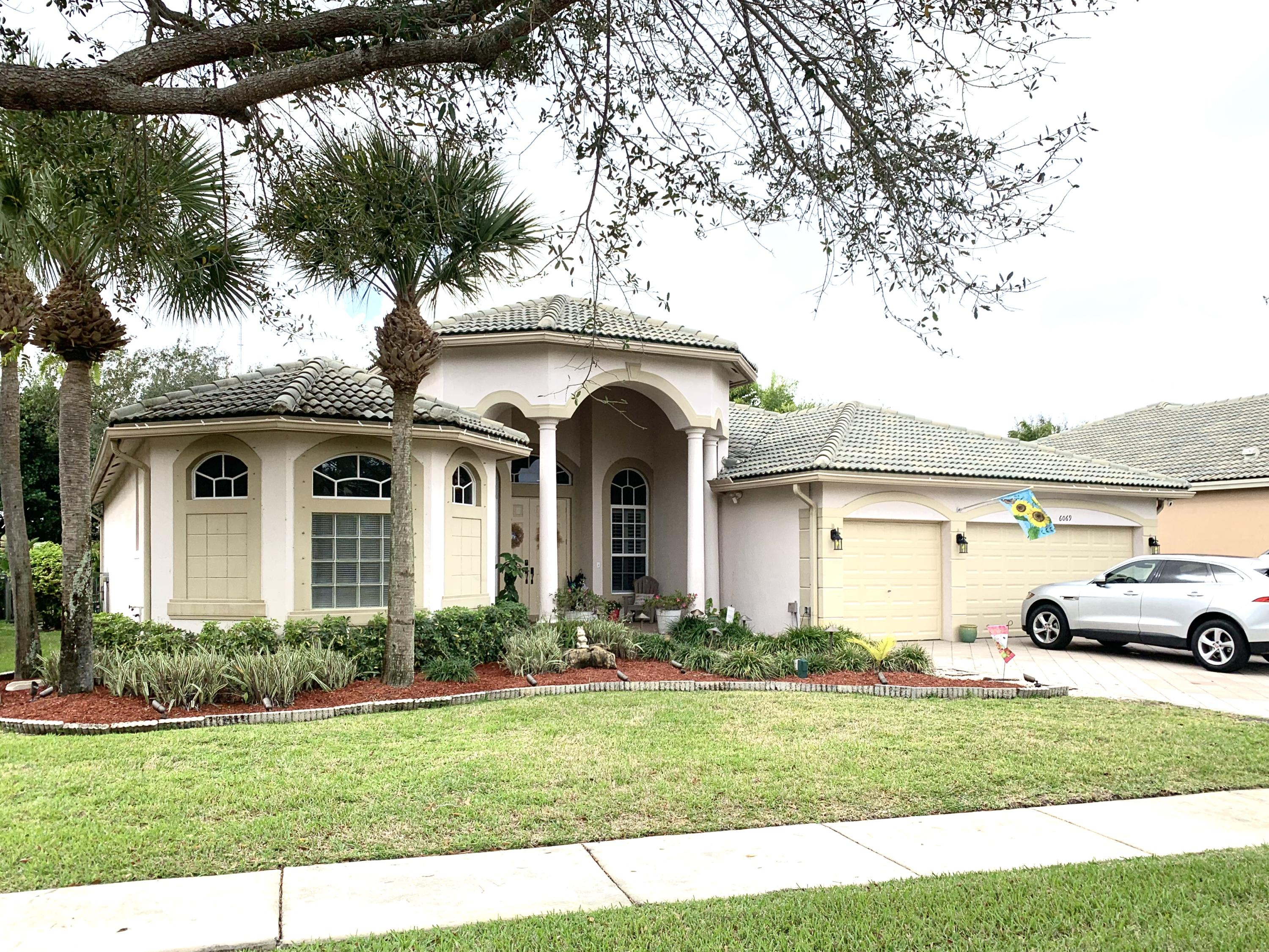Home for sale in Country Cove Estates/osprey Plat Lake Worth Florida