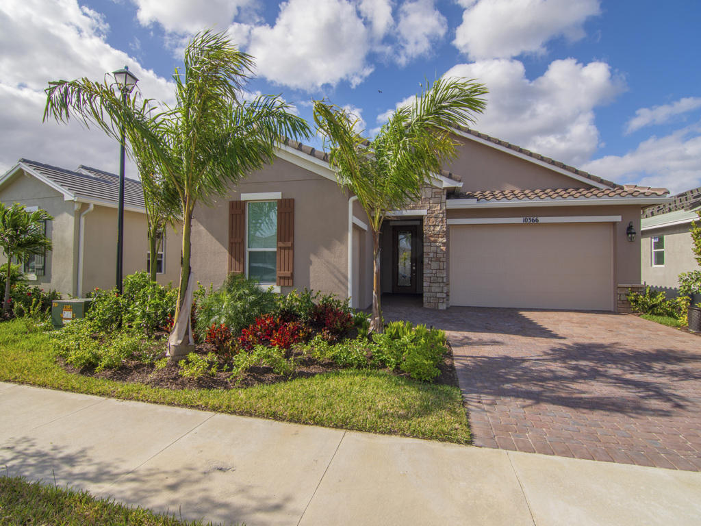 Photo of 10366 SW Ligustrum Drive, Port Saint Lucie, FL 34987