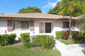 221  Club Drive Drive  For Sale 10591379, FL