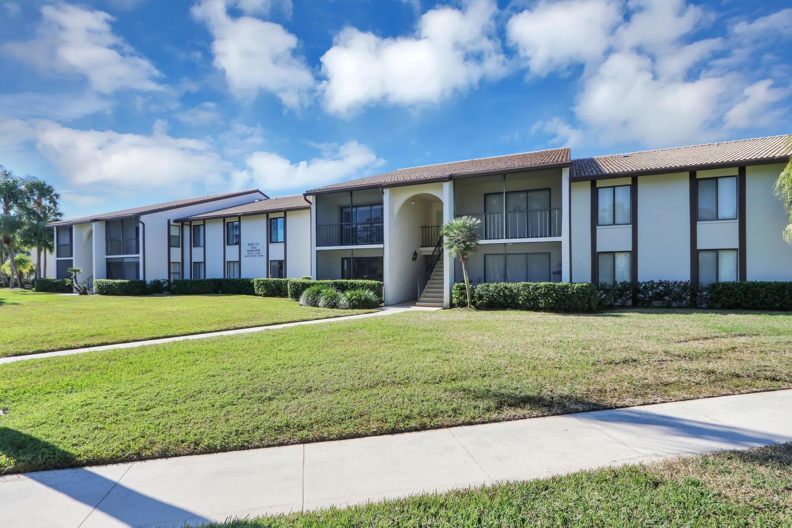 Home for sale in pine ridge @ martin dwns condo Palm City Florida