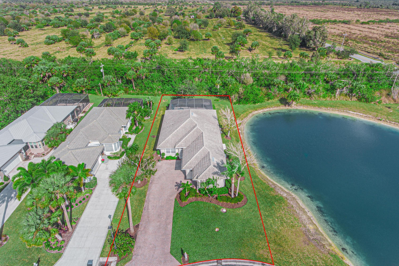 9479 Meadowood Drive Fort Pierce, FL 34951 photo 4
