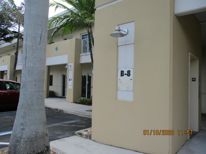 2711 N Vista Parkway 8 West Palm Beach, FL 33411 photo 3