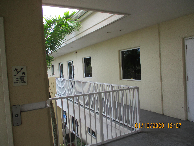 2711 N Vista Parkway 8 West Palm Beach, FL 33411 photo 6