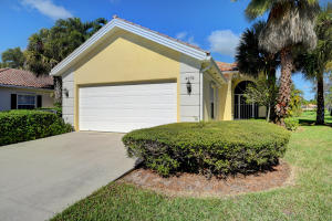 4674  Hammock Circle  For Sale 10592991, FL