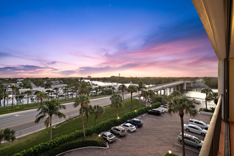 225 Beach Road 503, Tequesta, Florida 33469, 2 Bedrooms Bedrooms, ,2 BathroomsBathrooms,A,Condominium,Beach,RX-10592571