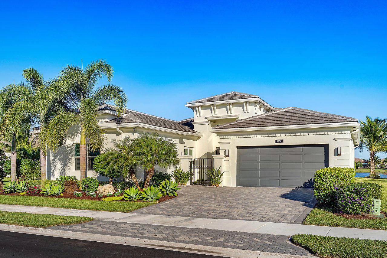 8904 Golden Mountain Circle Boynton Beach, FL 33473