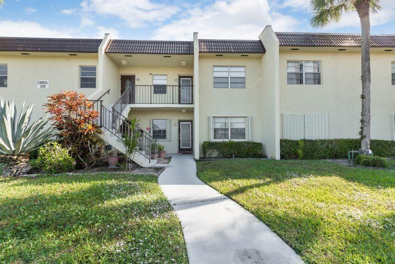 120 Lake Meryl Drive 118 West Palm Beach, FL 33411