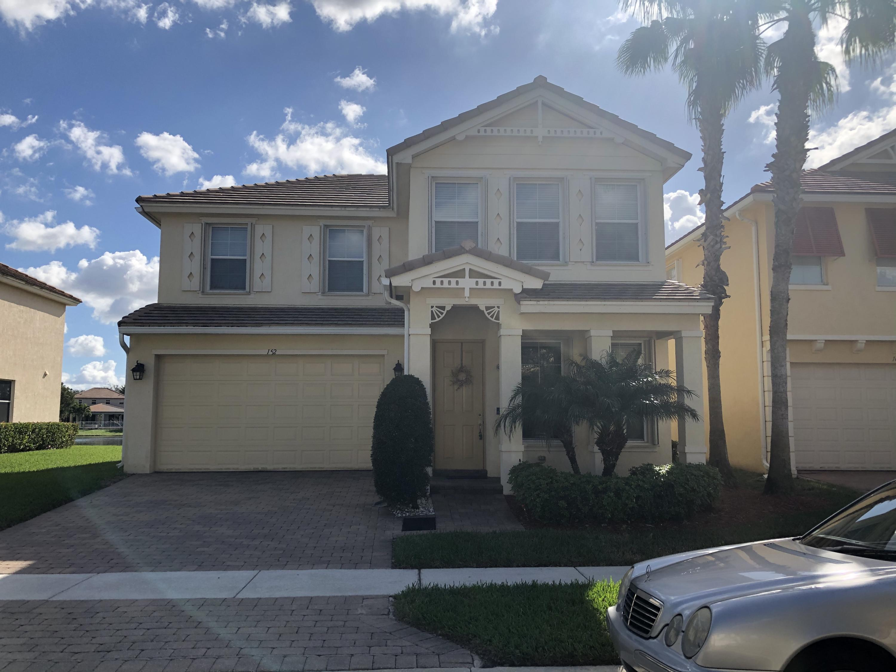 152 Belle Grove Ln Royal Palm Beach, FL 33411