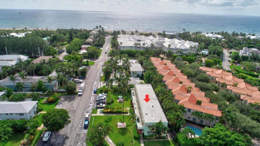 1006 Casuarina Road 5  Delray Beach, FL 33483