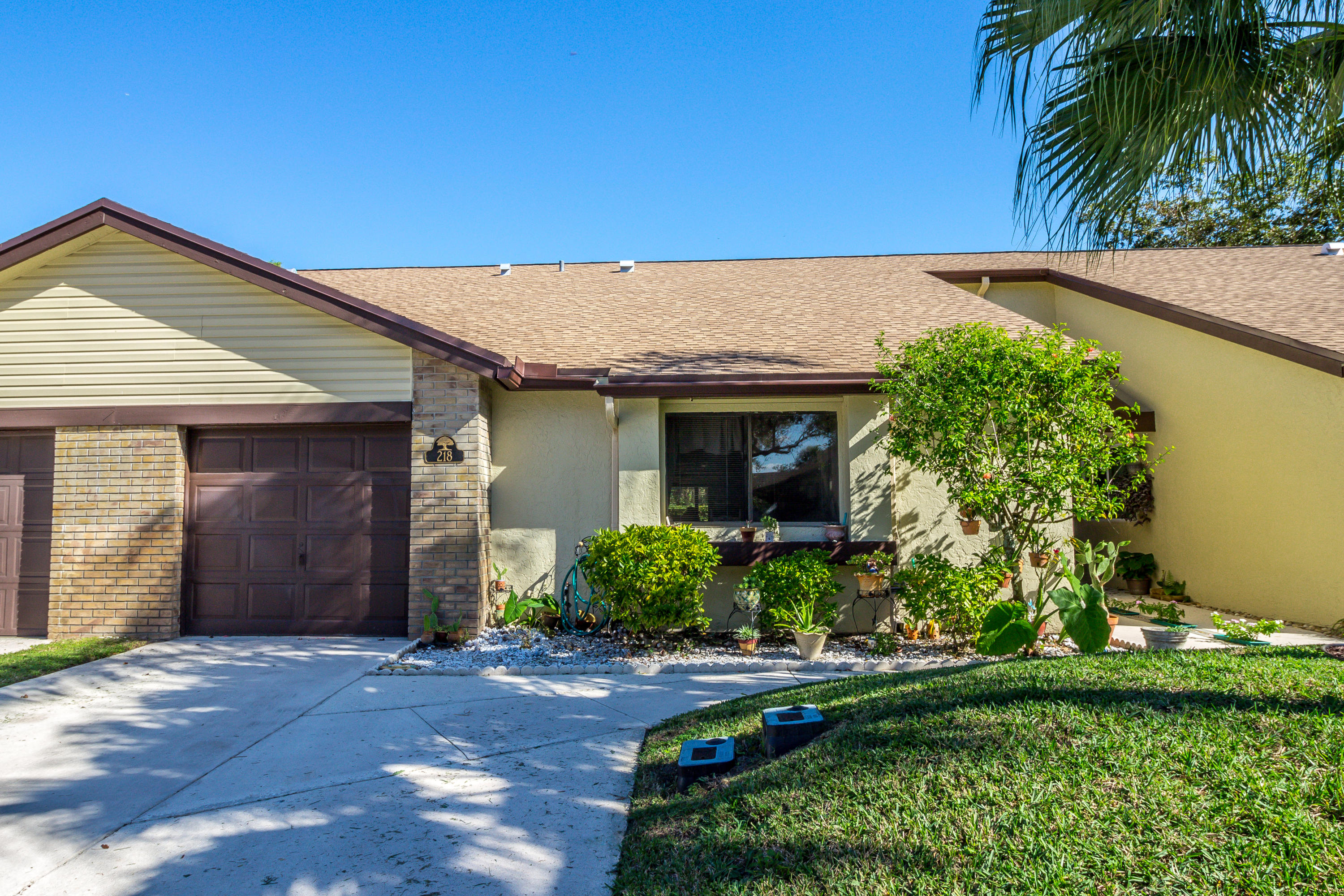 218 Meander Circle Royal Palm Beach, FL 33411 Royal Palm Beach FL 33411