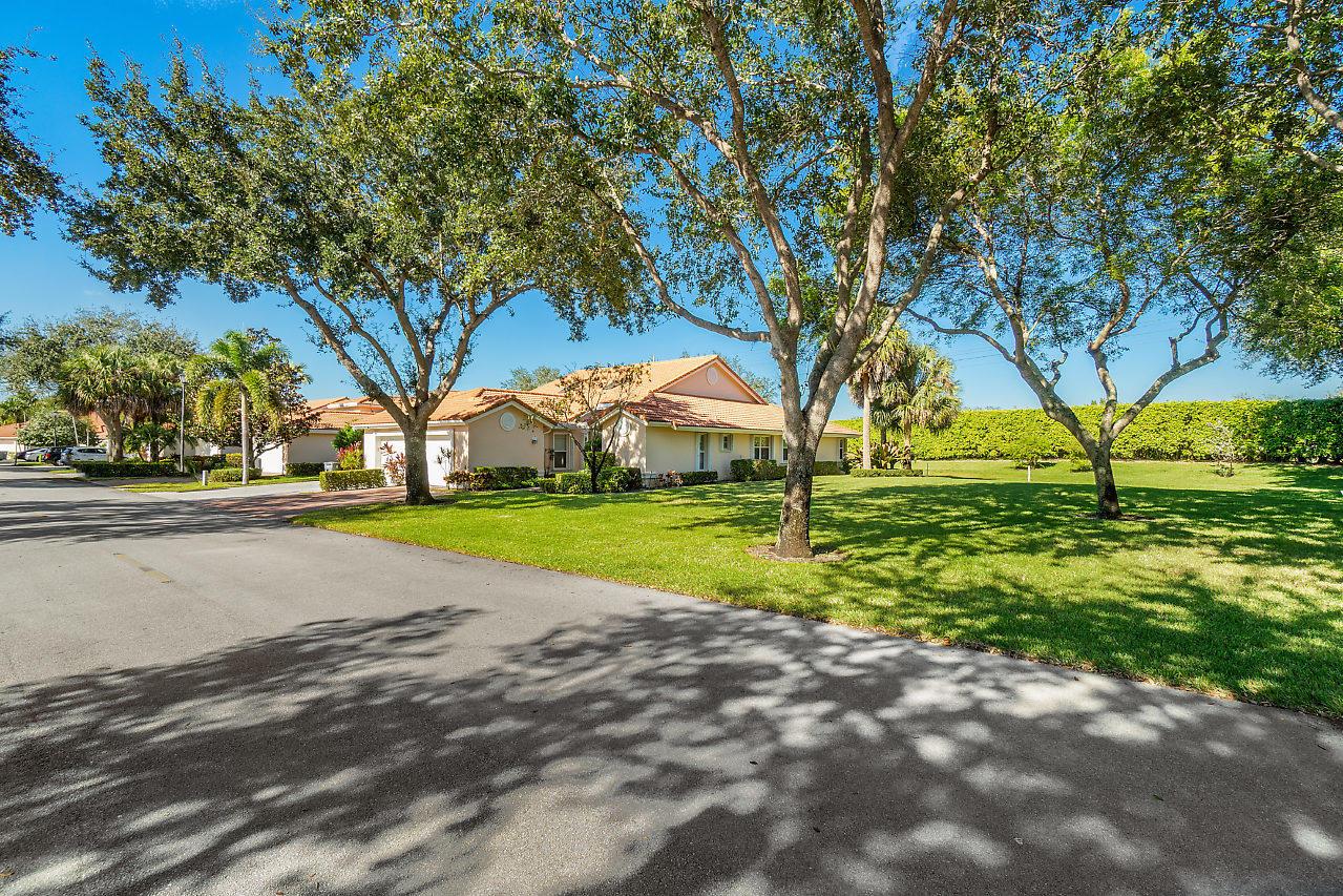 7715 Majestic Palm Drive  Boynton Beach FL 33437