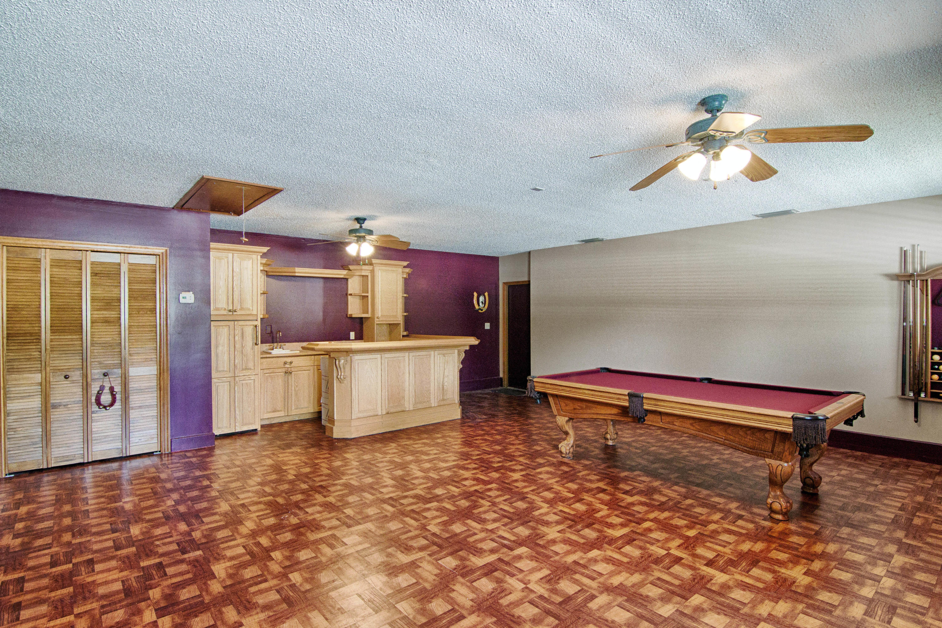 Large pool and wet bar area