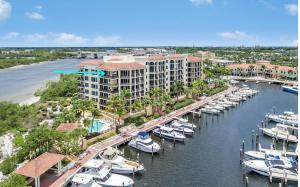 The Pointe At Jupiter Yacht Cl