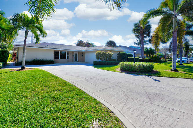 212 Cascade Lane  Palm Beach Shores FL 33404