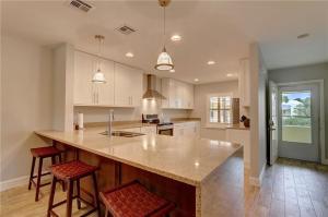 1600 SE Saint Lucie Boulevard 109 For Sale 10593757, FL