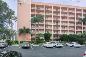 7290  Kinghurst Drive 101 For Sale 10593798, FL
