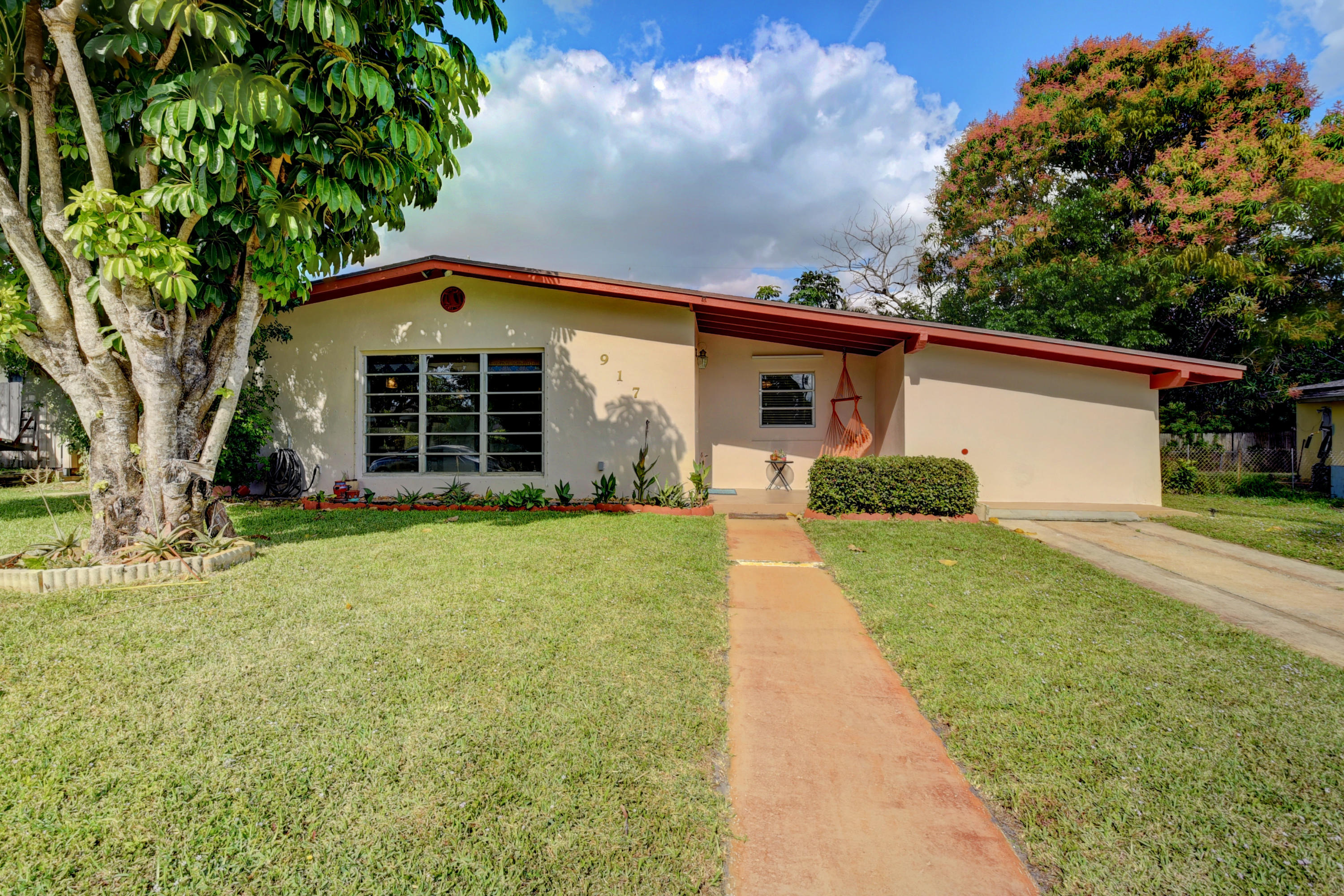 917 Duval Street, Lake Worth, Florida 33462, 3 Bedrooms Bedrooms, ,1 BathroomBathrooms,A,Single family,Duval,RX-10594233