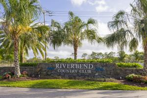 Riverbend Country Club