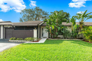 109  Conaskonk Circle  For Sale 10594185, FL