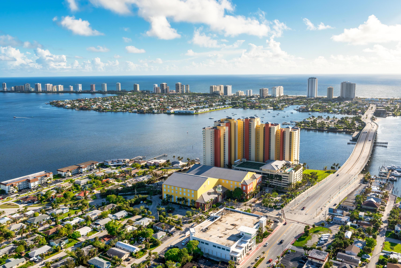 2640 Lake Shore Drive 2112, Riviera Beach, Florida 33404, 2 Bedrooms Bedrooms, ,2 BathroomsBathrooms,A,Condominium,Lake Shore,RX-10592926