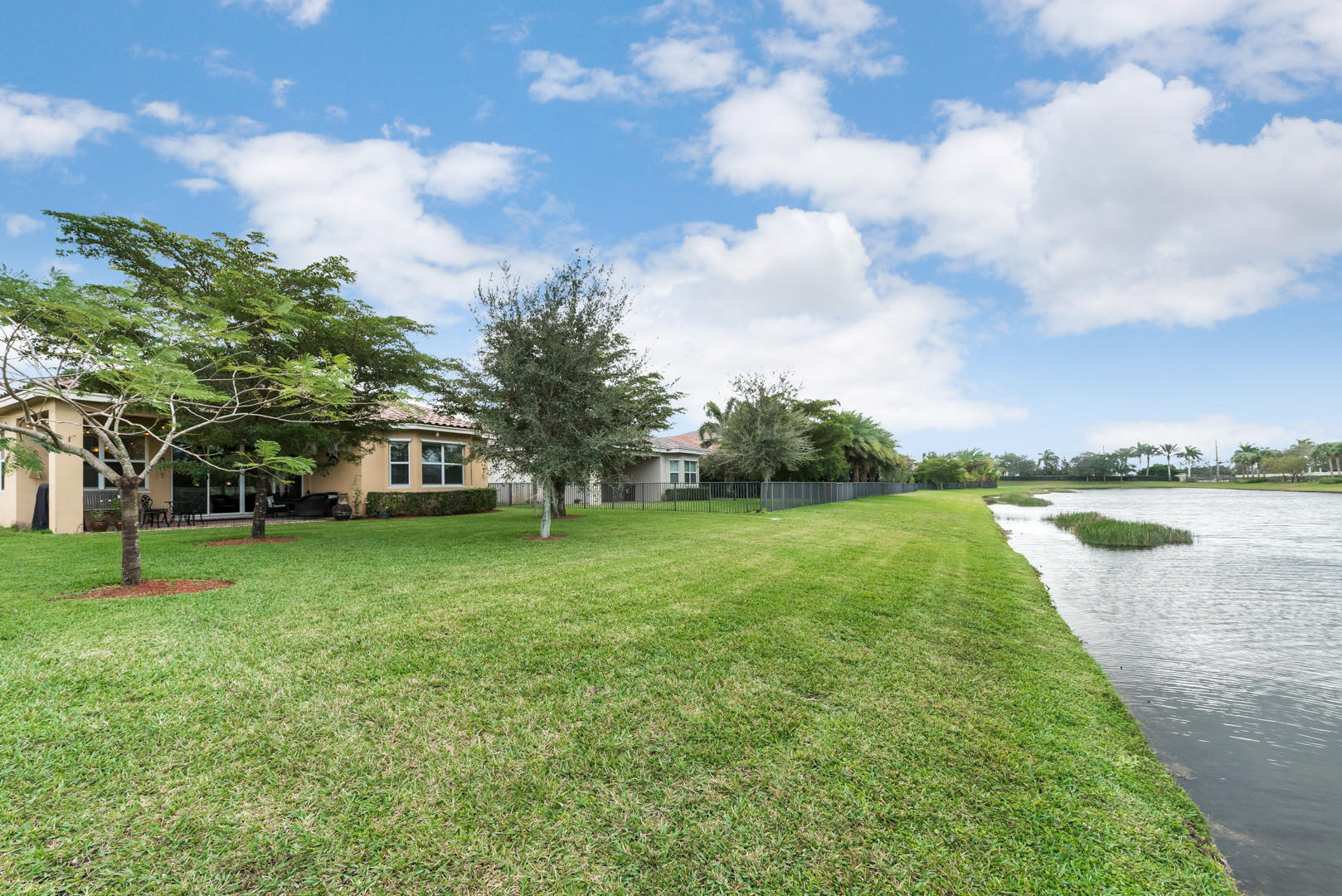 2111 Belcara Court Royal Palm Beach, FL 33411 photo 26
