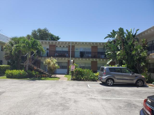 124 Yacht Club Drive 10  North Palm Beach FL 33408