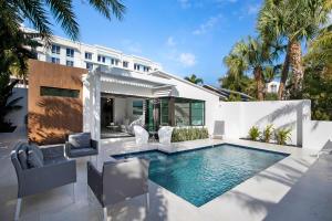 128 SE 7th Avenue  For Sale 10592488, FL