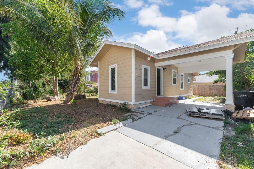 416 Lilac Court  West Palm Beach, FL 33407